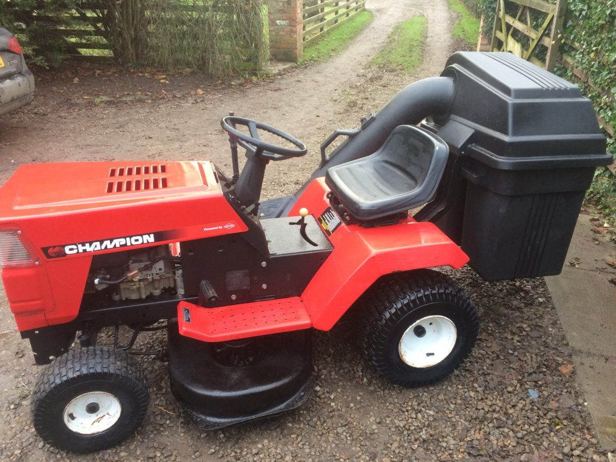 Garden Tractor Without Mower Deck : Champion hp ″ ride on mower lawn tractor good working